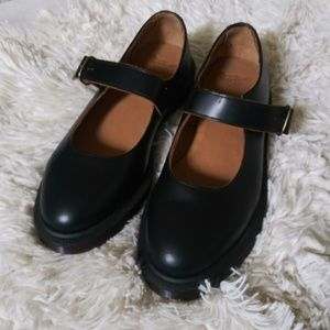 NWOT Dr. Martens Indica Shoes size 7